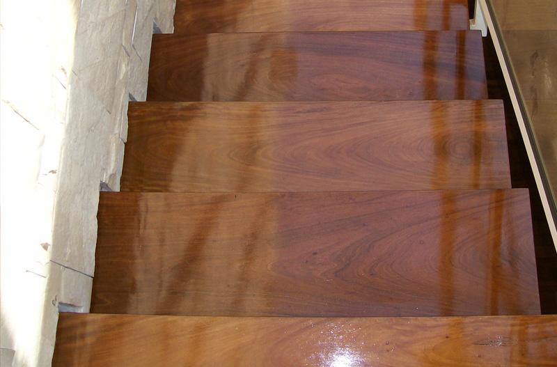 Fabricaci n de escaleras de madera en argentina venta de for Escalera de madera 5 pasos